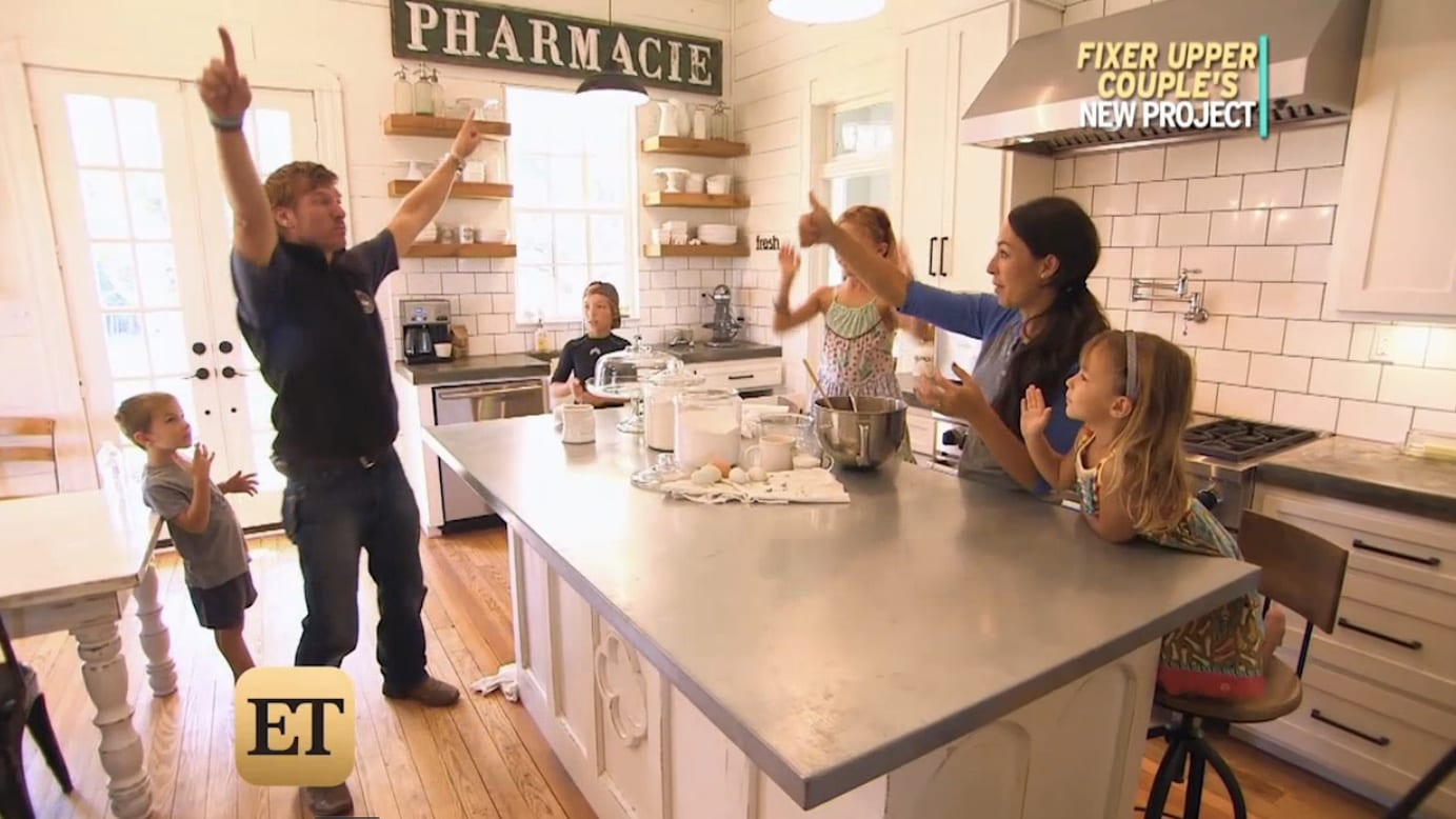 39 Fixer Upper 39 Duo Chip Joanna Gaines Reveal Why Their